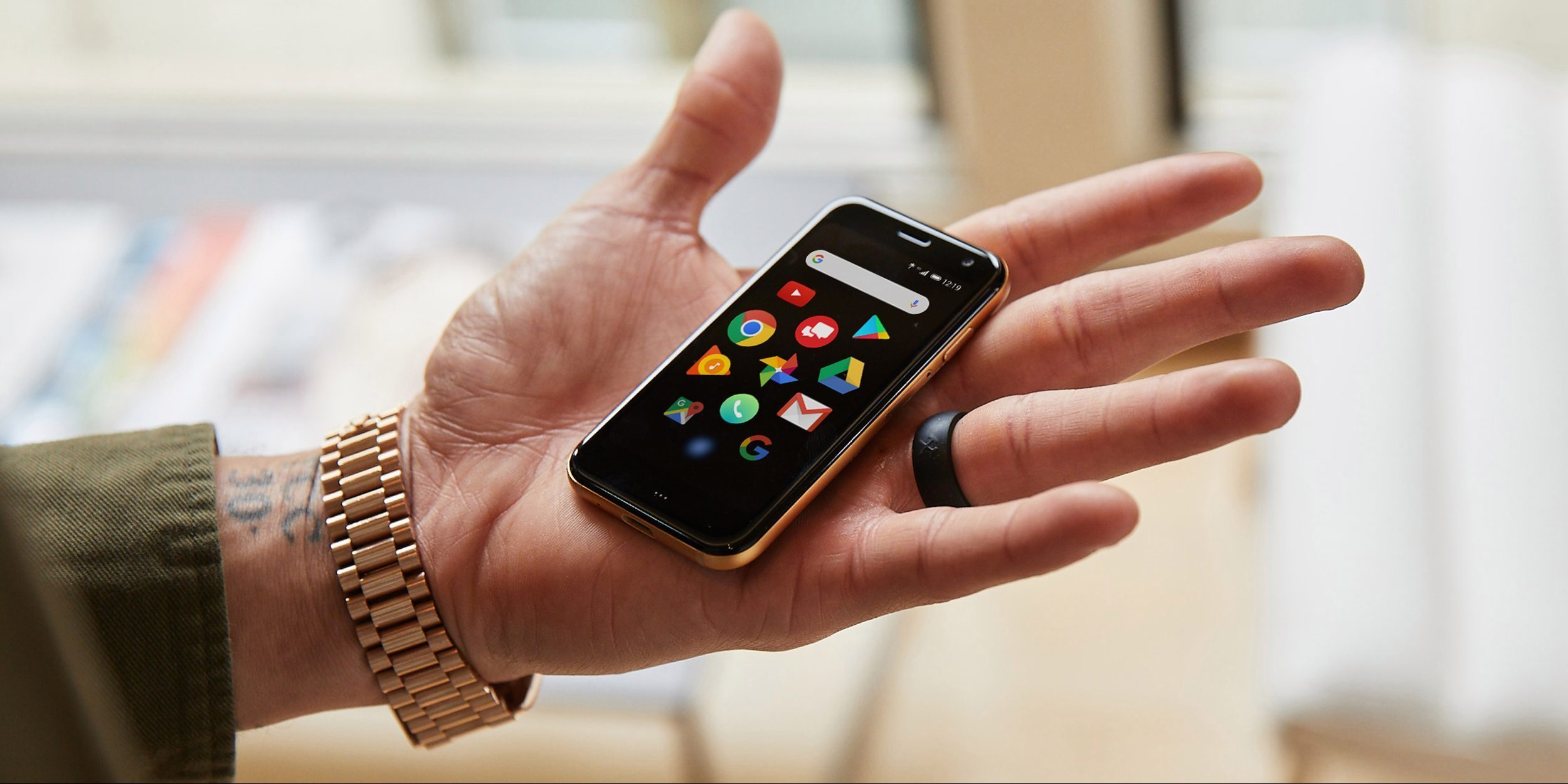 Palm Phone goes unlocked for US carriers, pre-orders open now for $349